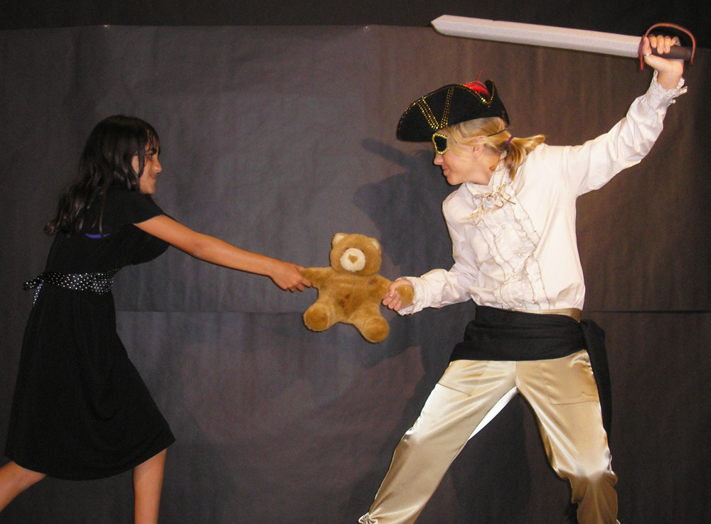 pirate-Mom-fights-ursa-2